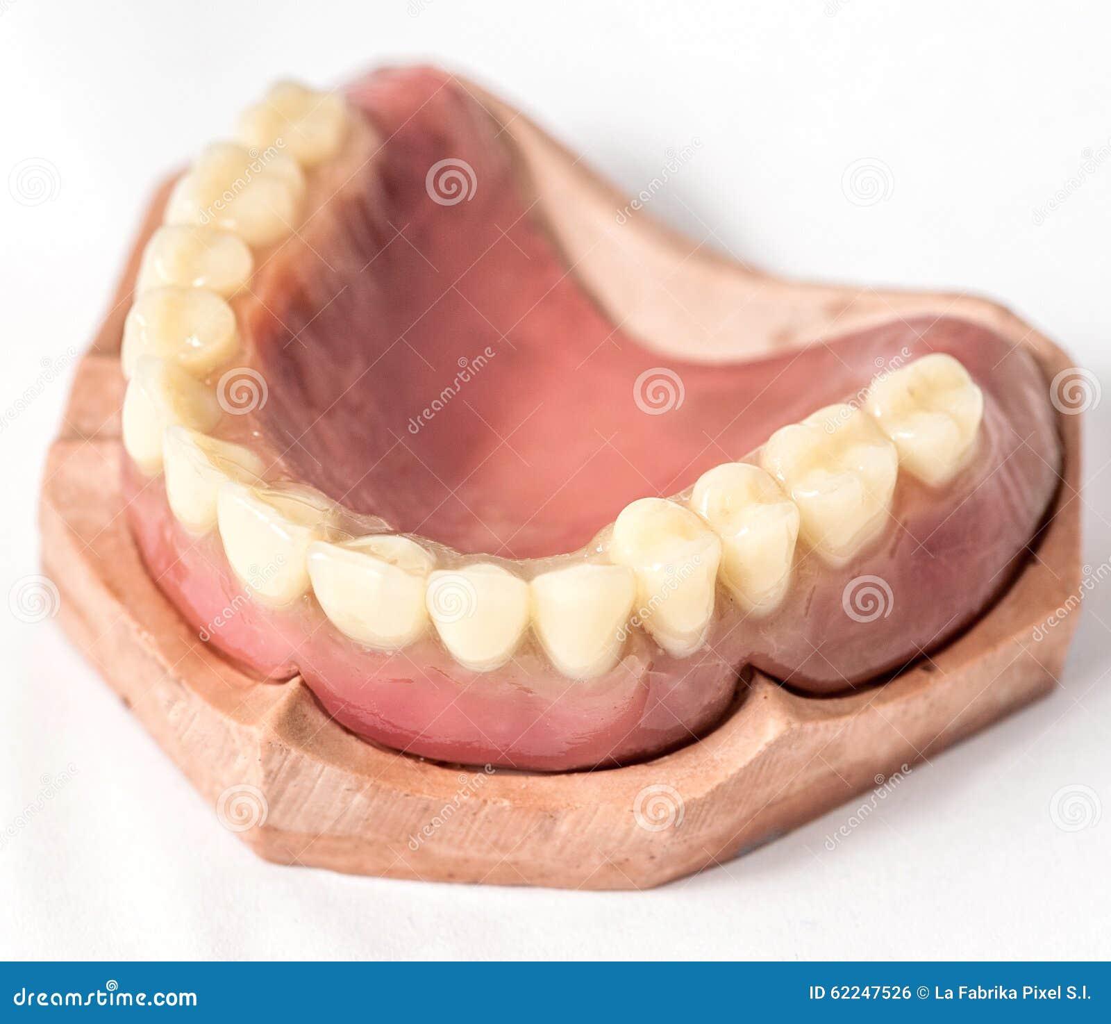 Stimulant immédiat de dentier