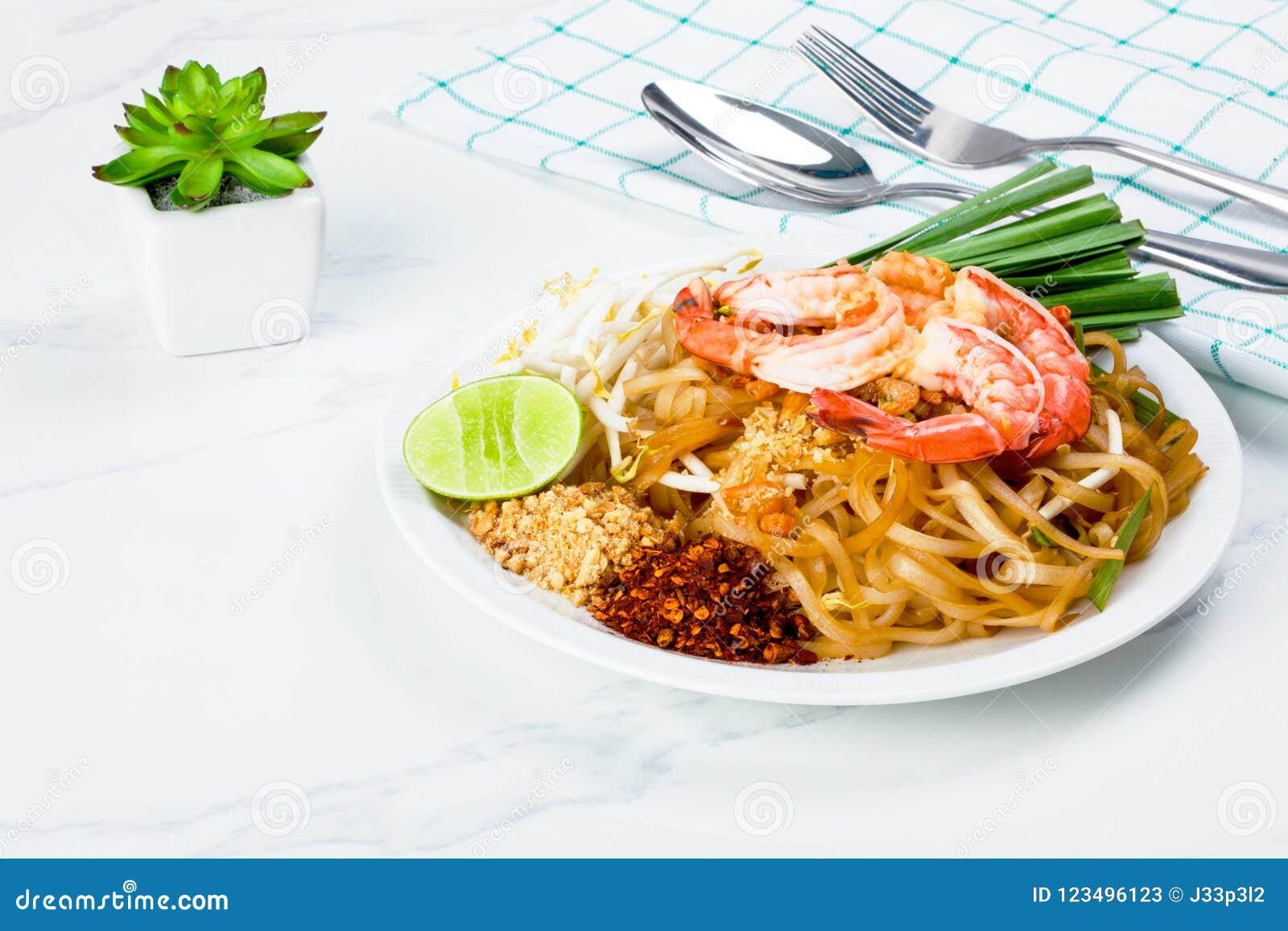 Stir fried pad thai noodle with shrimp