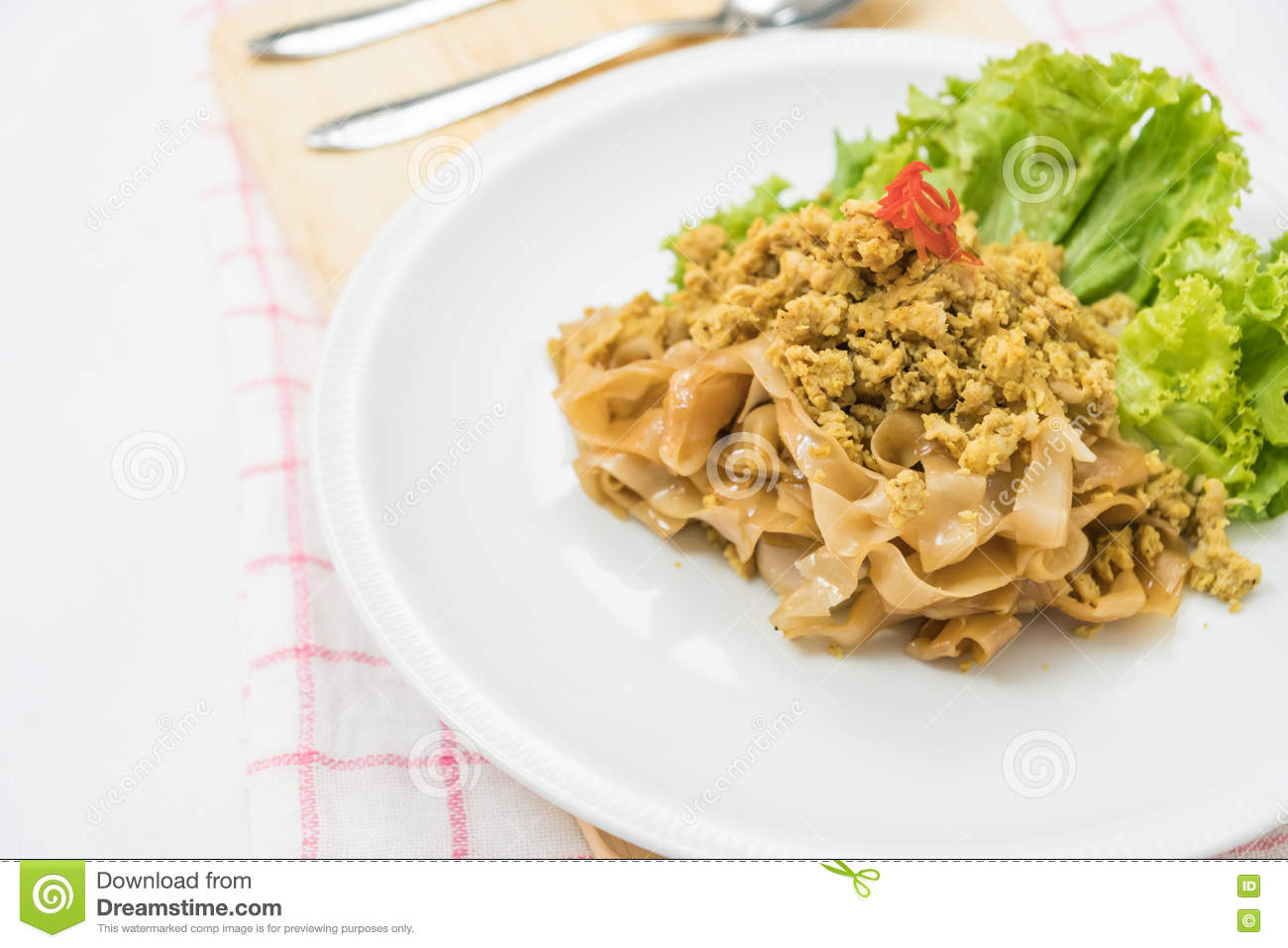Stir fried rice noodle with pork (Pad See Eiw)