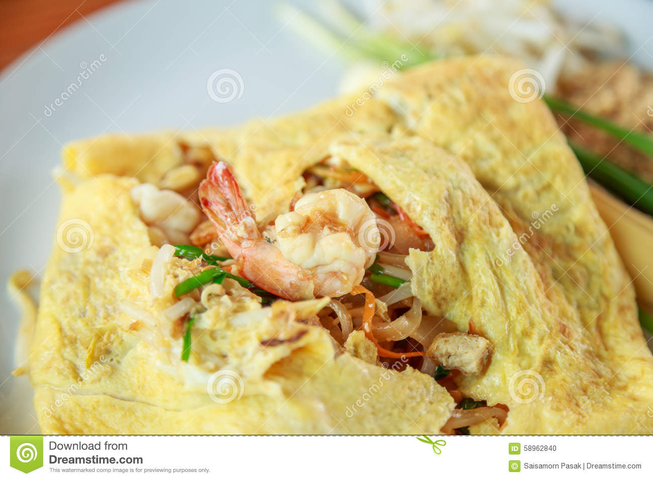 Stir-fried Rice Noodles With Shrimp And Wrap Eggs Stock Photo - Image ...