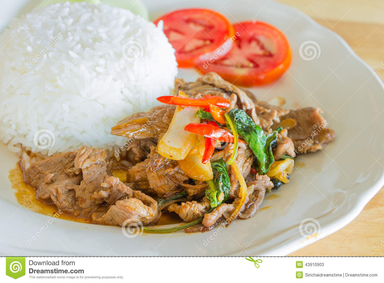 Stir-fried Spicy Beef With Basil Stock Photo - Image: 43910903