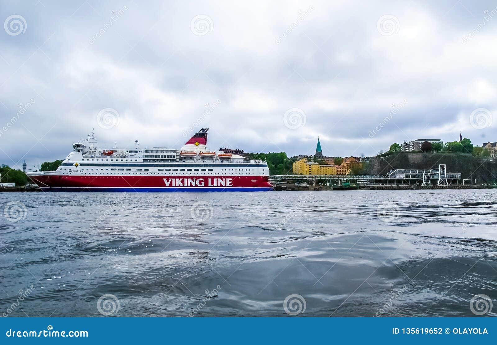 Stockholm/Zweden - Mei 15 2011: Viking Line-schip Gabriella in Stockholm