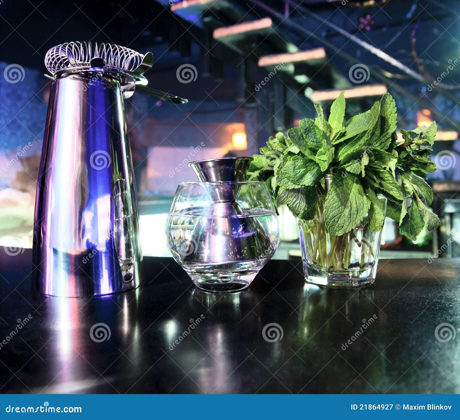 Stocks de dispositif trembleur et de bar