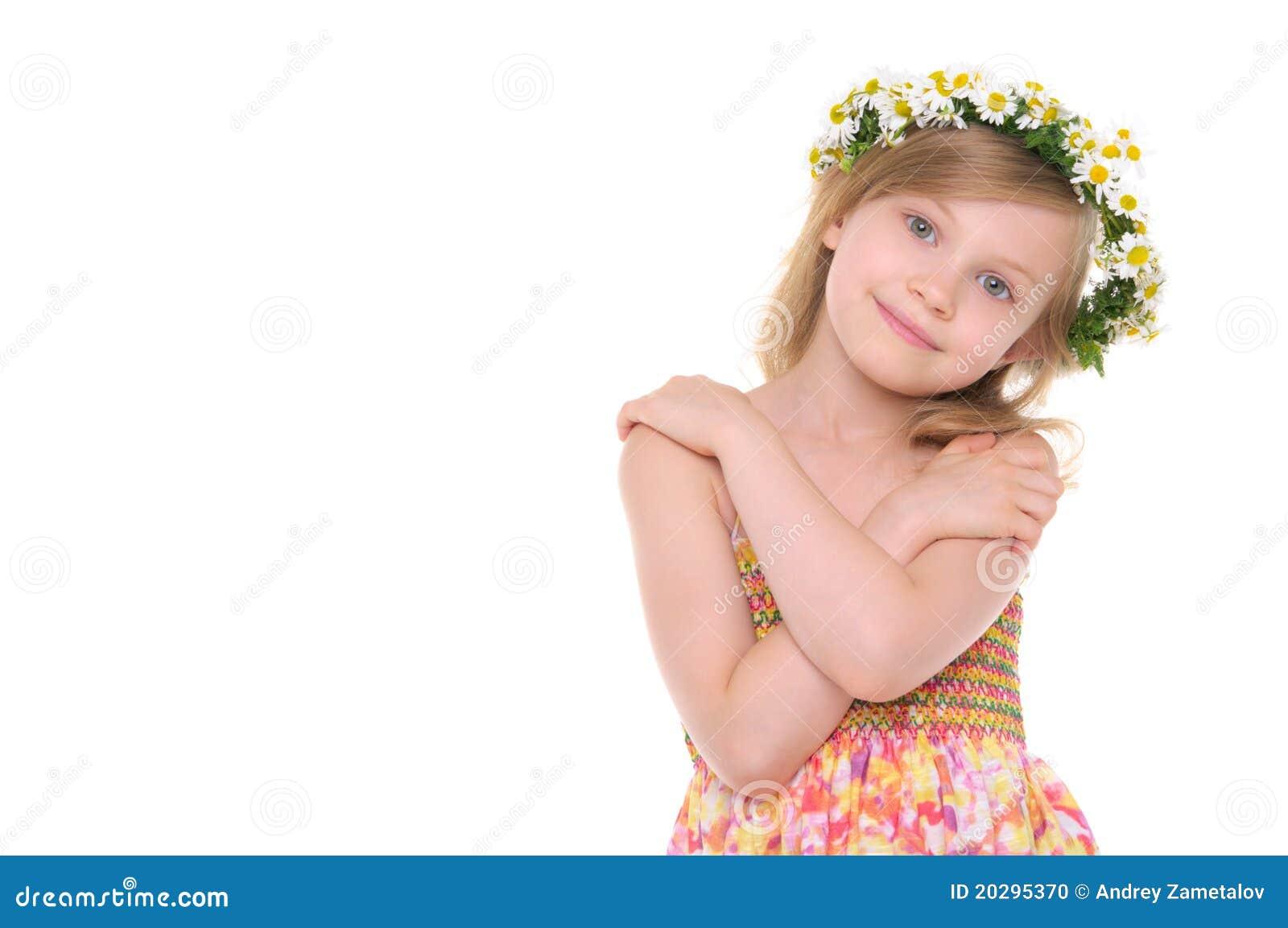 Stokrotek dziewczyny szczęśliwy wianek