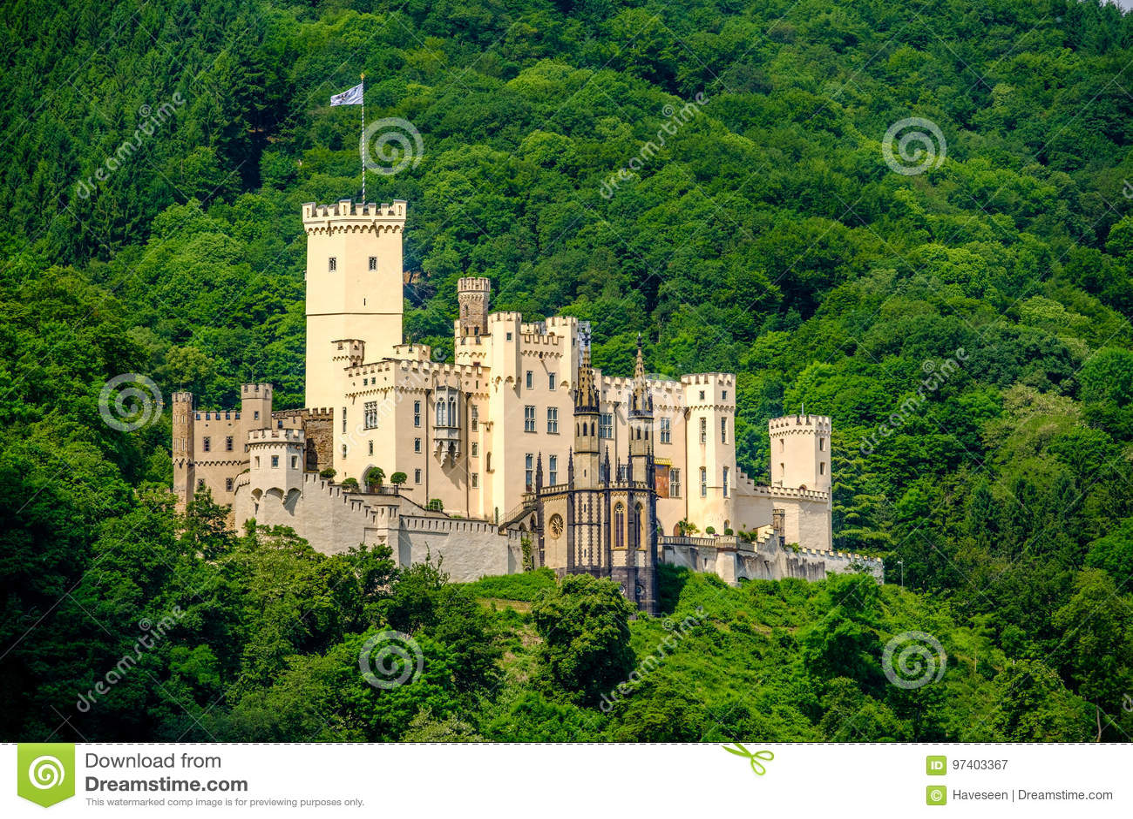 Stolzenfels slott på Rhendalen nära Koblenz, Tyskland