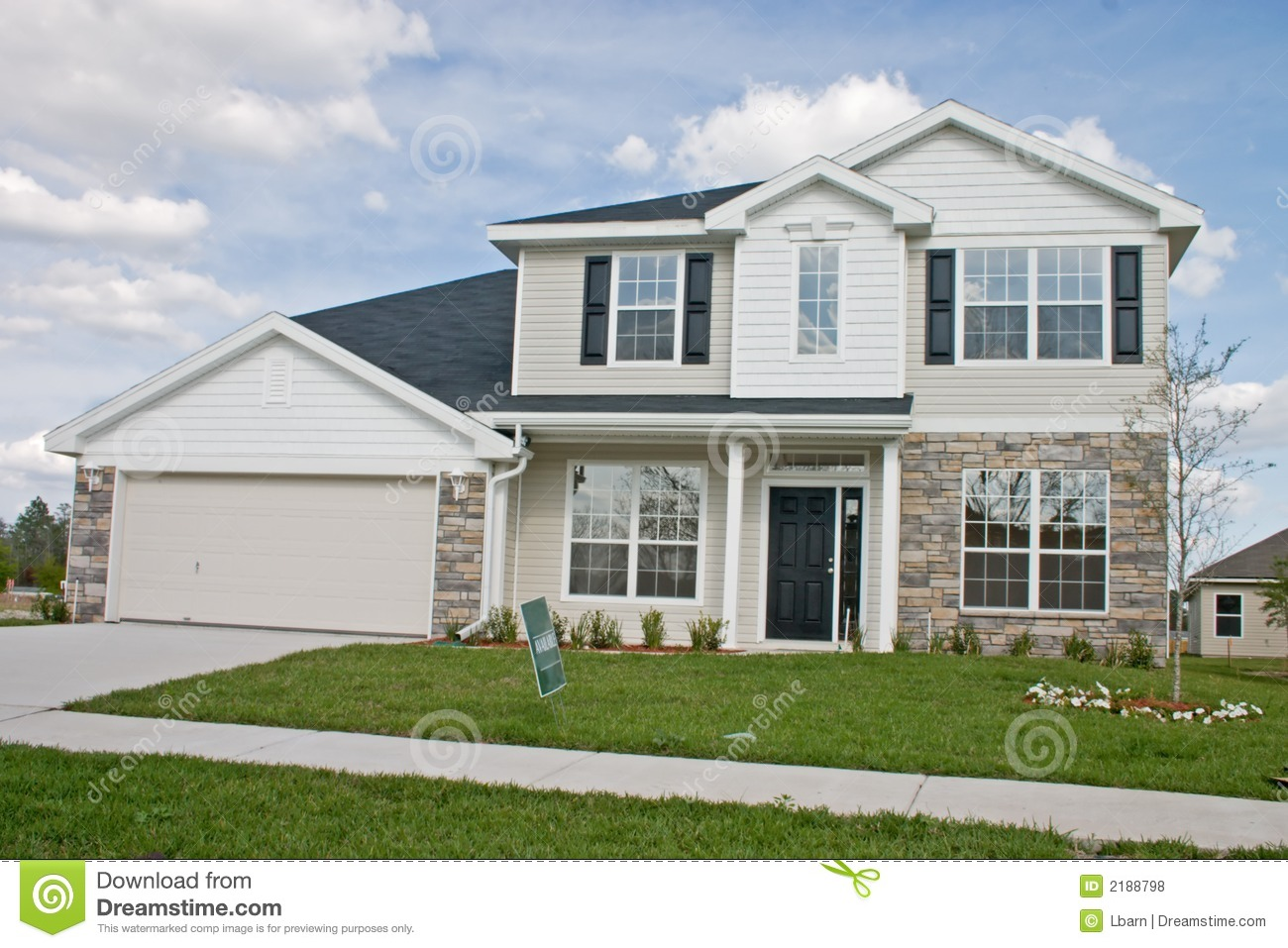 Stone accents new home 11 royalty free stock photos for Houses with stone accents