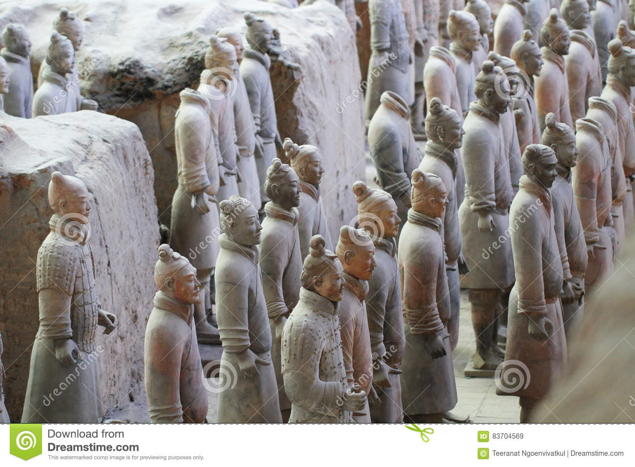 Stone army soliders with horse statue, Terracotta Army in Xian, China