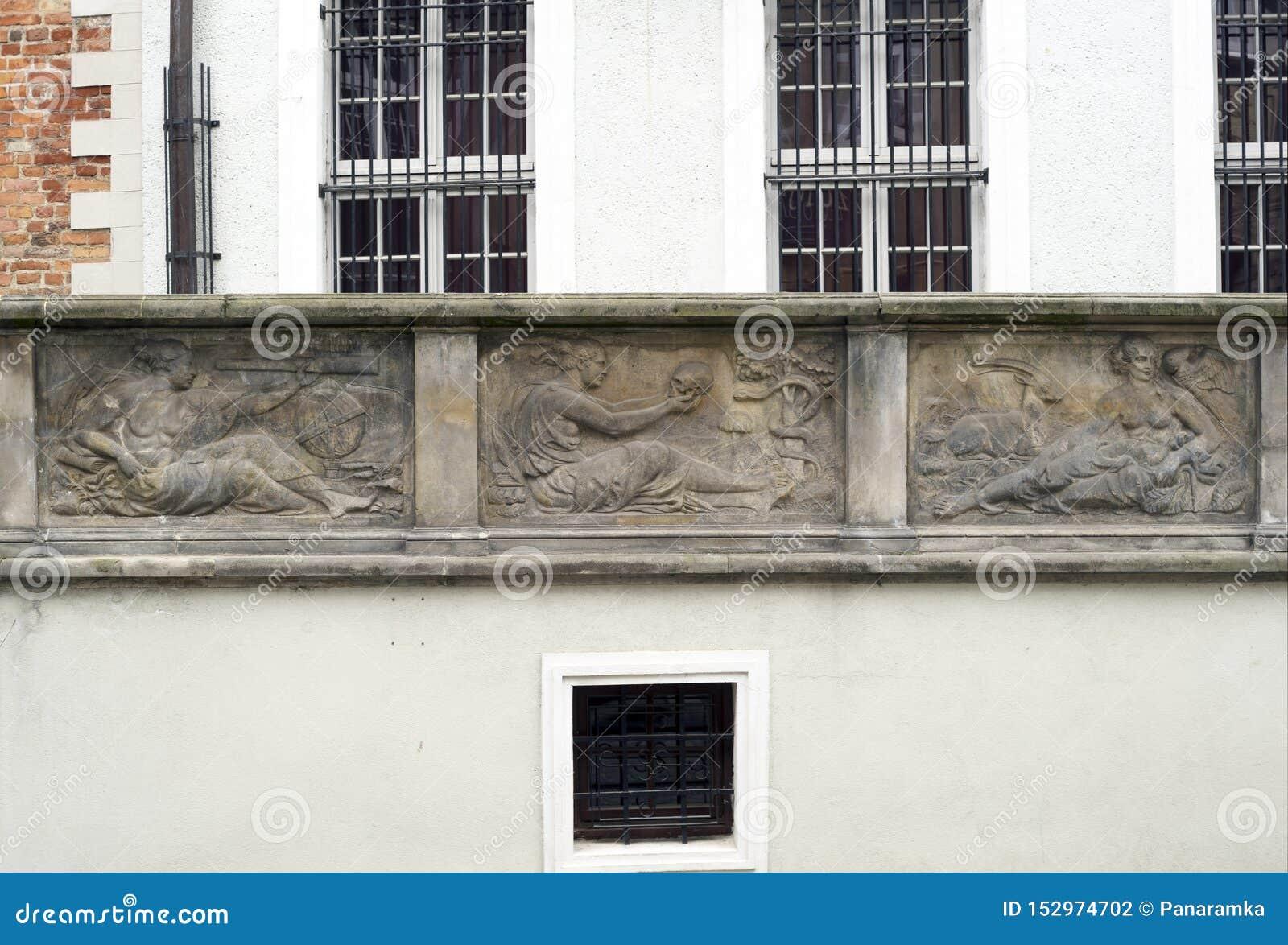 Stone bas-reliefs of Gdansk