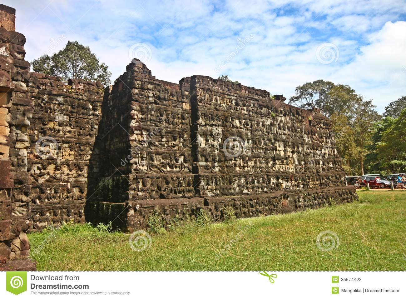 Stone carved wall at angkor wat stock photos image