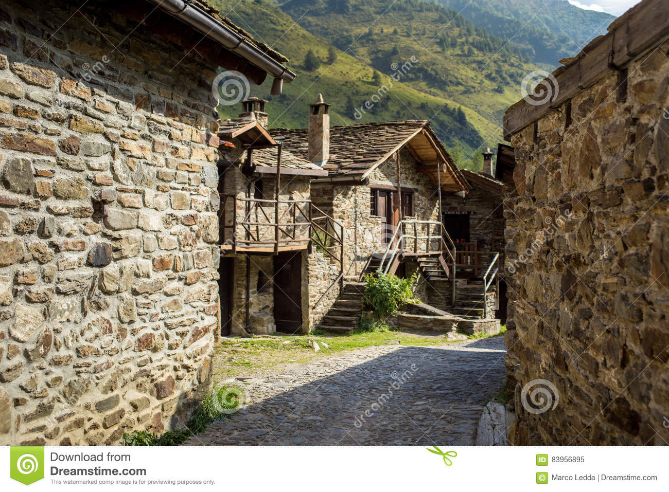 Stone Chalets In A Tiny Mountaing Village Case Di Viso Ponte