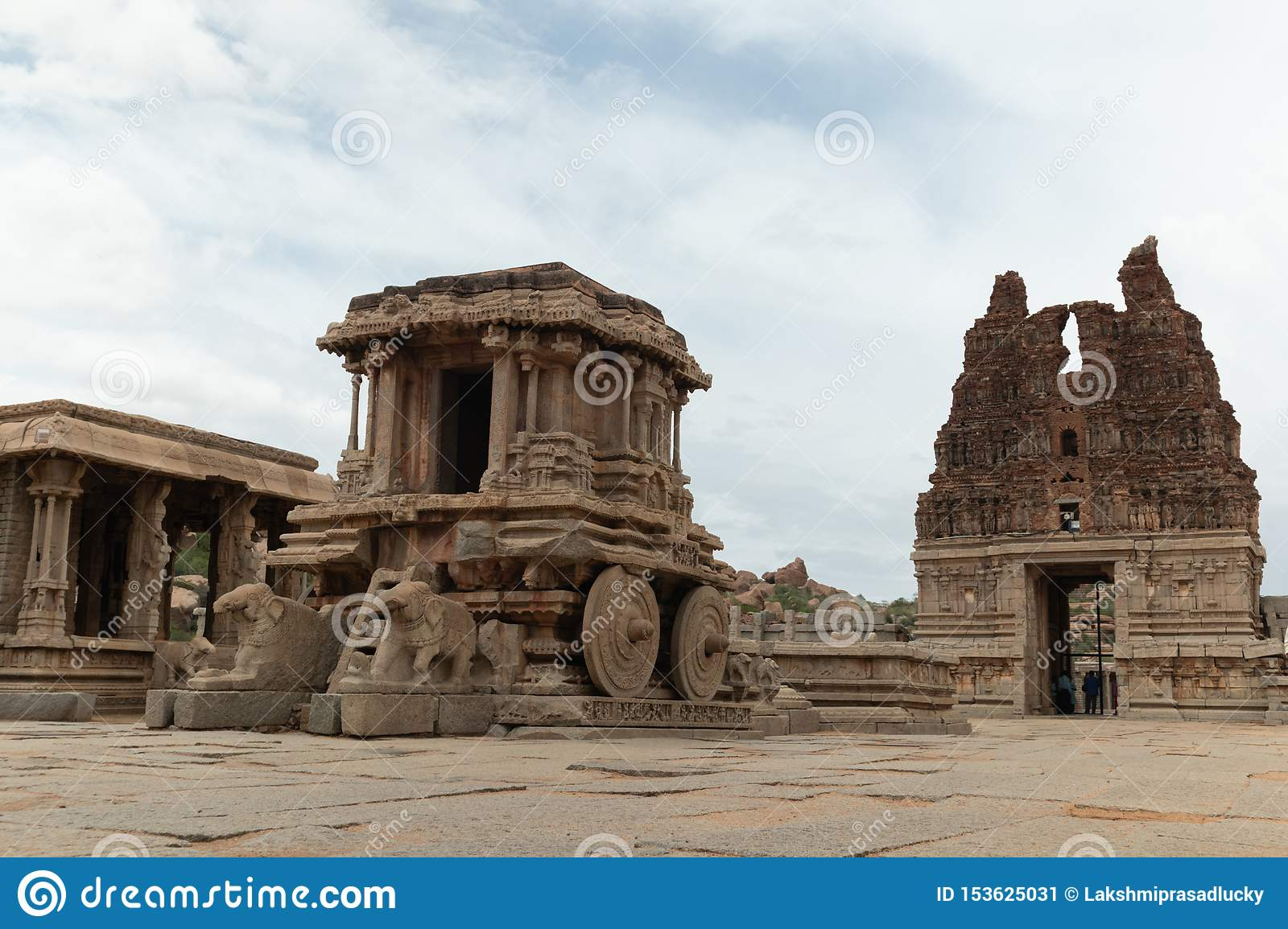 Stone chariot in courtyard of Vittala Temple in Hampi, Karnataka, India