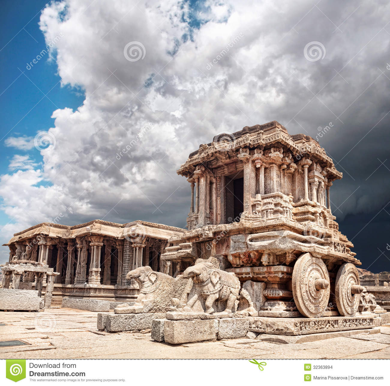 Stone Chariot In Hampi Stock Images Image 32363894