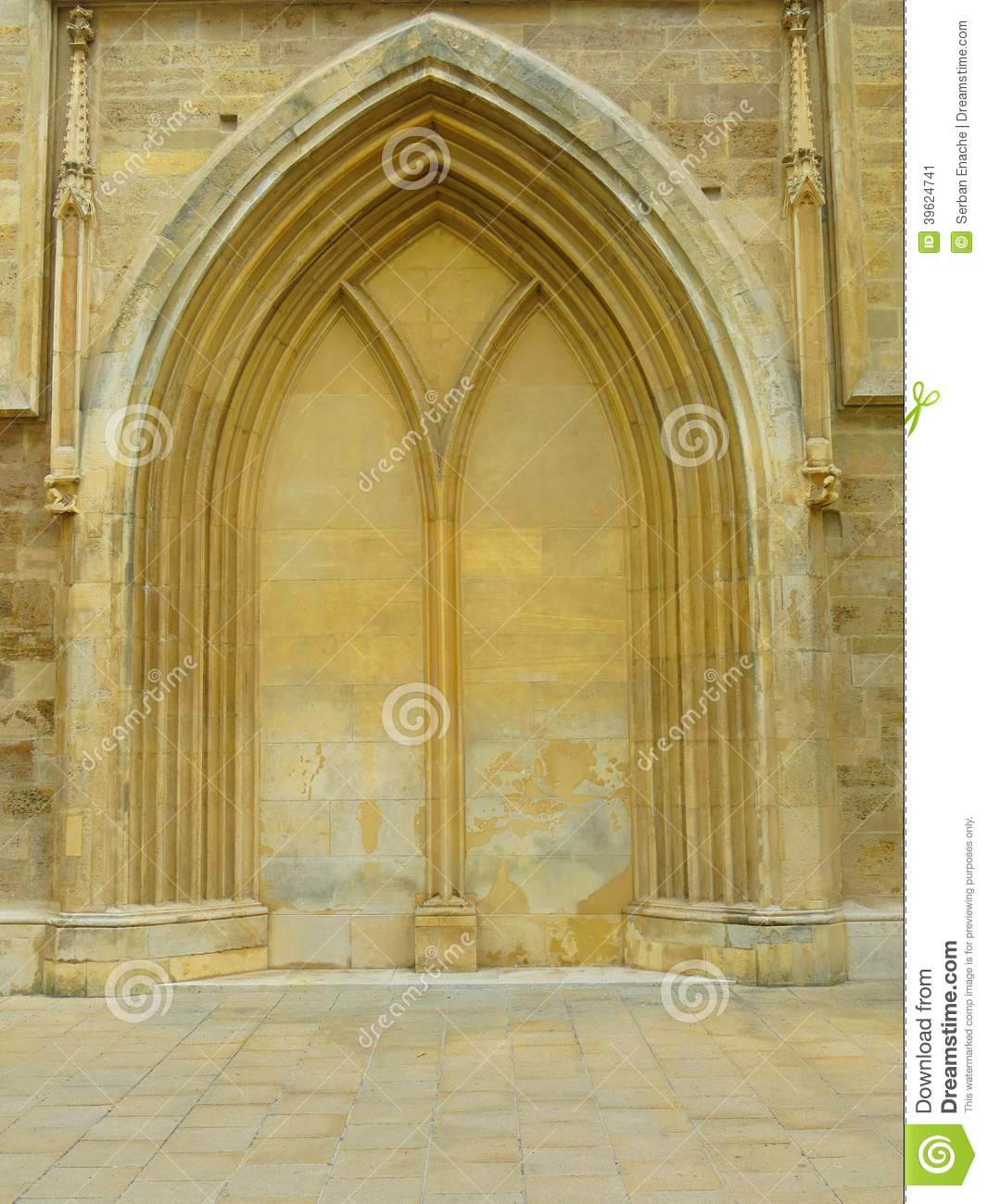 Stone gothic arch stock image. Image of sculpted, archway - 39624741
