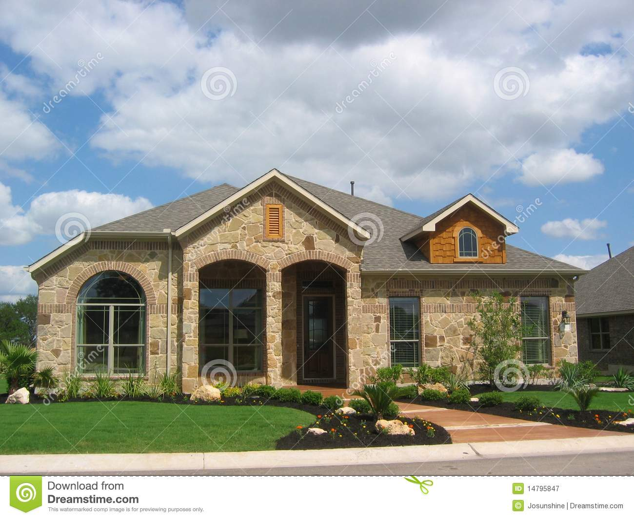 Stone house wood siding stock image image of rugged - Casas de madera y piedra ...