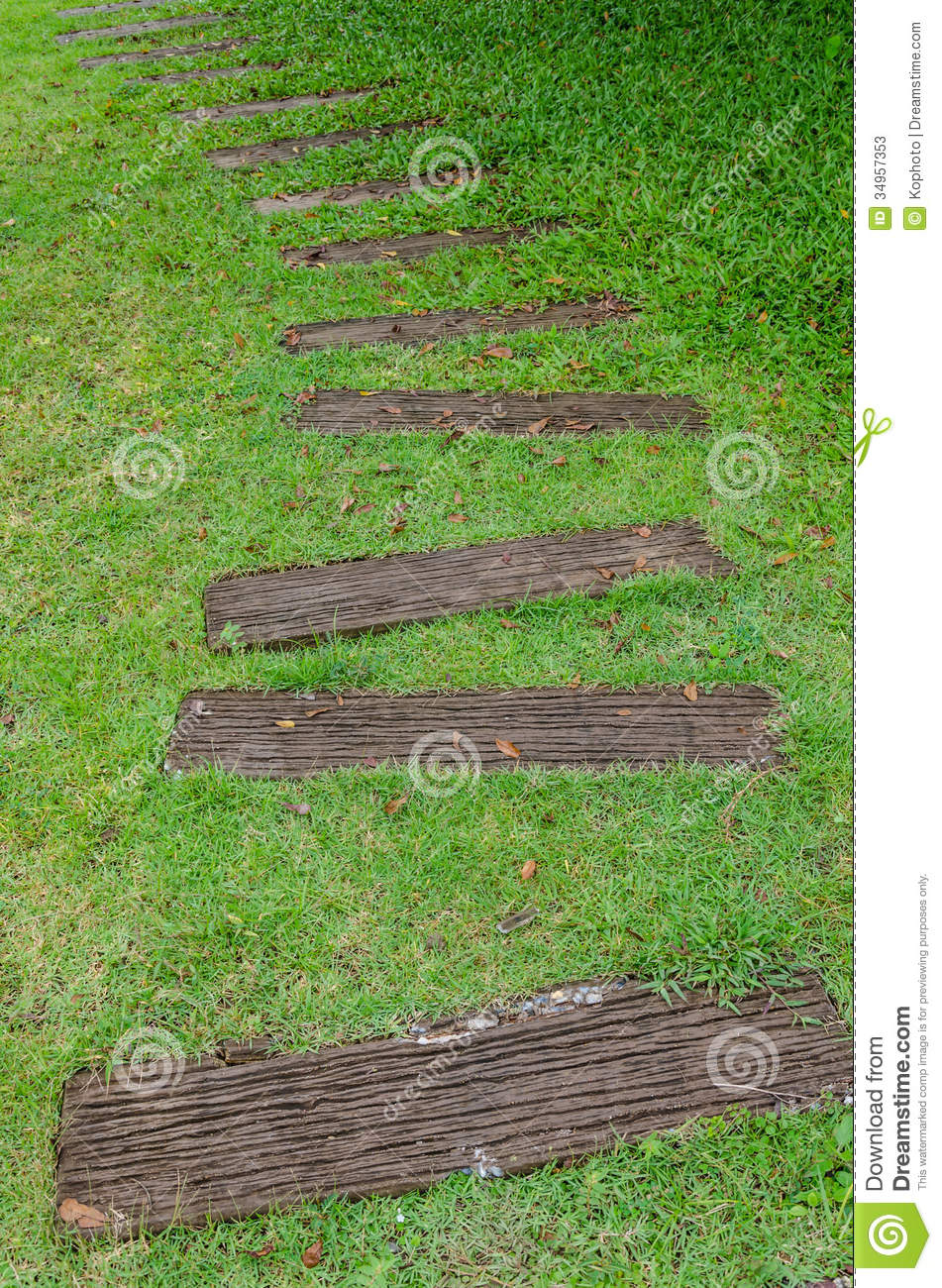 Stone path on green grass stock image image of curve for Stone path in grass