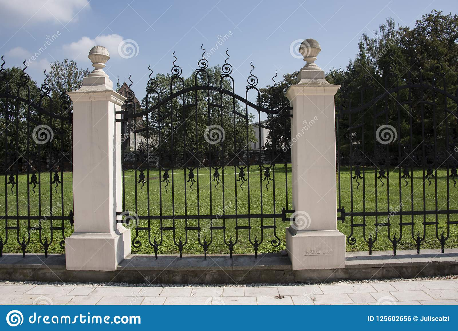 Shea Rd Cedar Fence With Stone Pillars Traditional Exterior Other By Accurate General Construction Houzz Au
