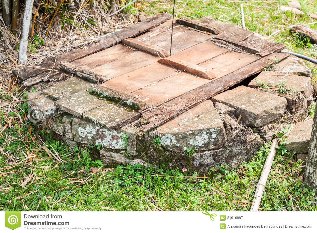 Stone Well Wood Cover Rustic Farm Rio Grande Do Sul Brazil on 12 X 4 With Cover As Well 11