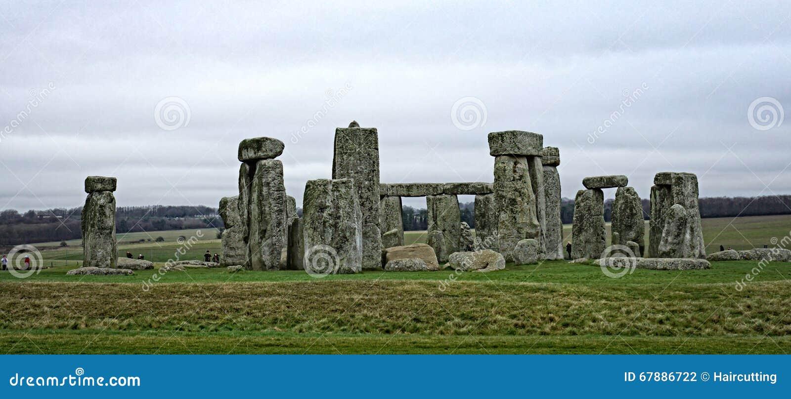 Stonehenge在萨利,威尔特郡,英国附近的一座古老史前石纪念碑