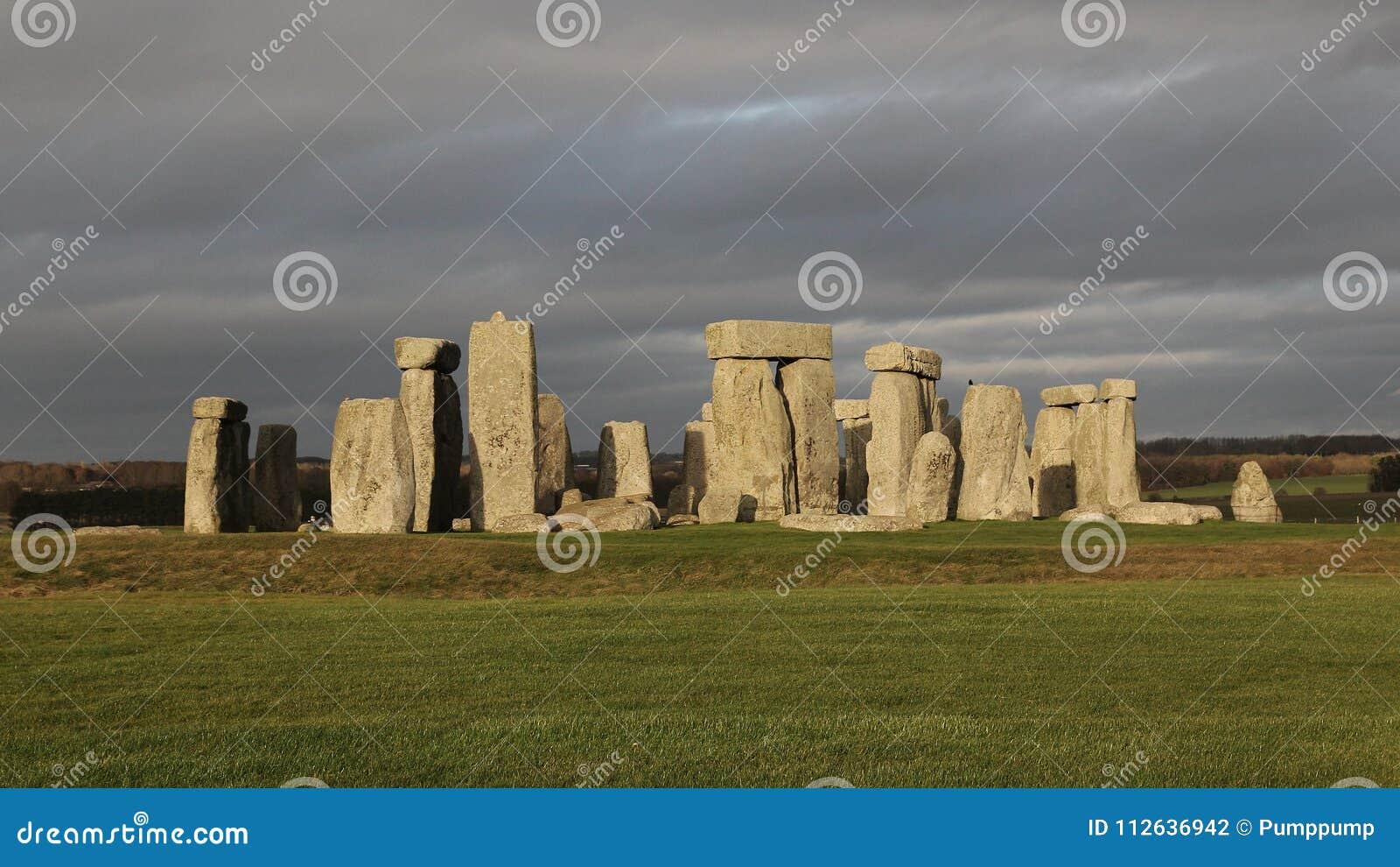 the stones of Stonehenge, England