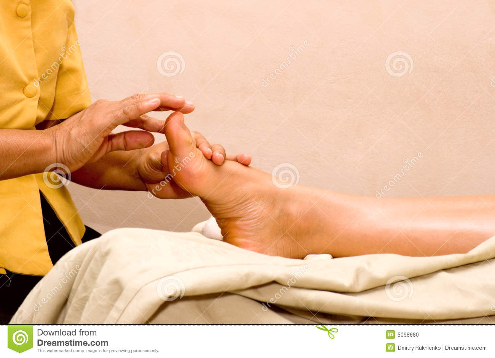Stopa spa masaż.