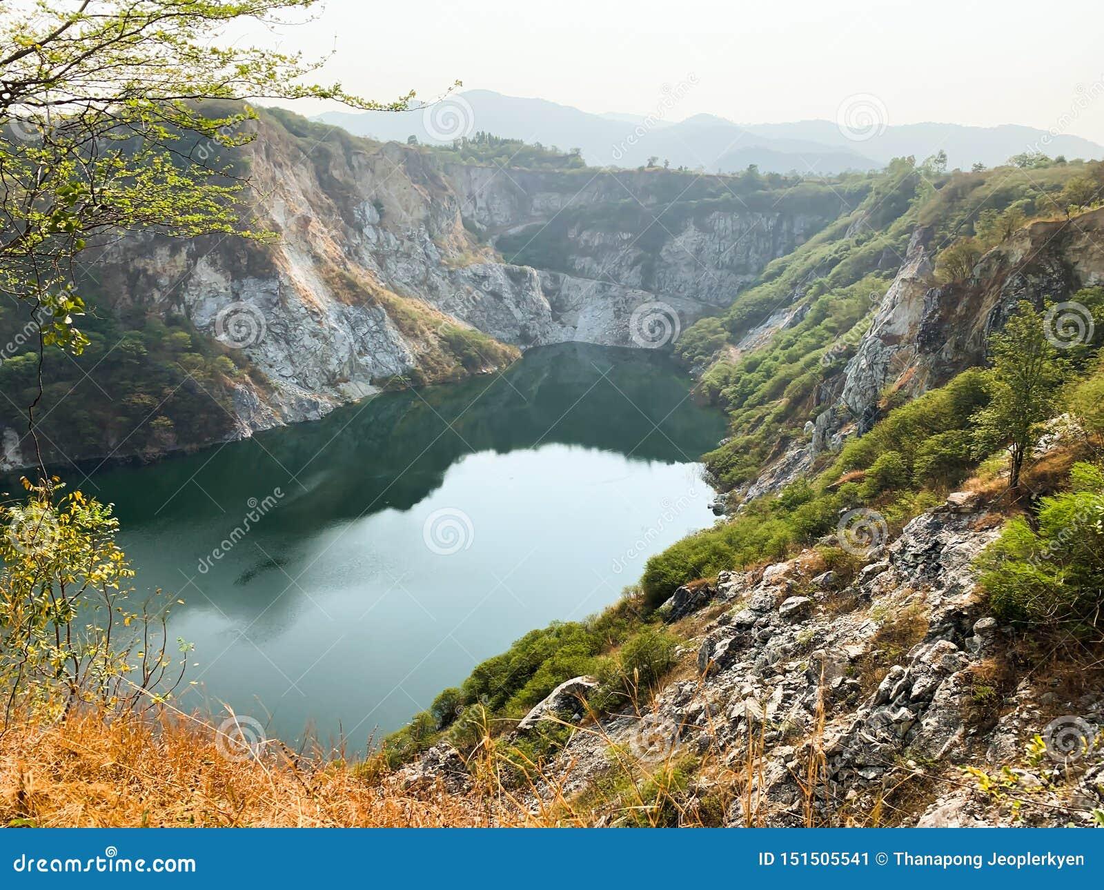 Stor dammlandskapsikt