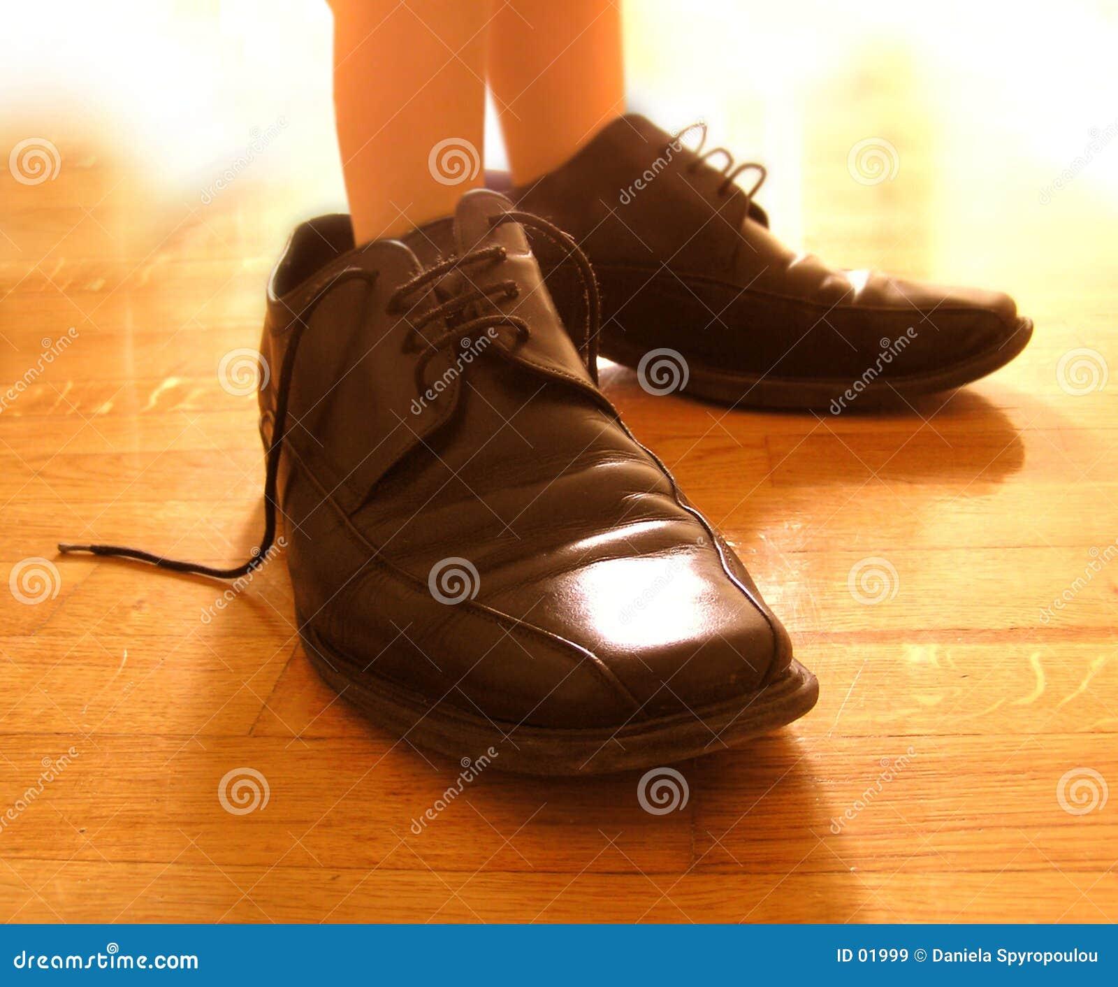 Stor fot lilla skor
