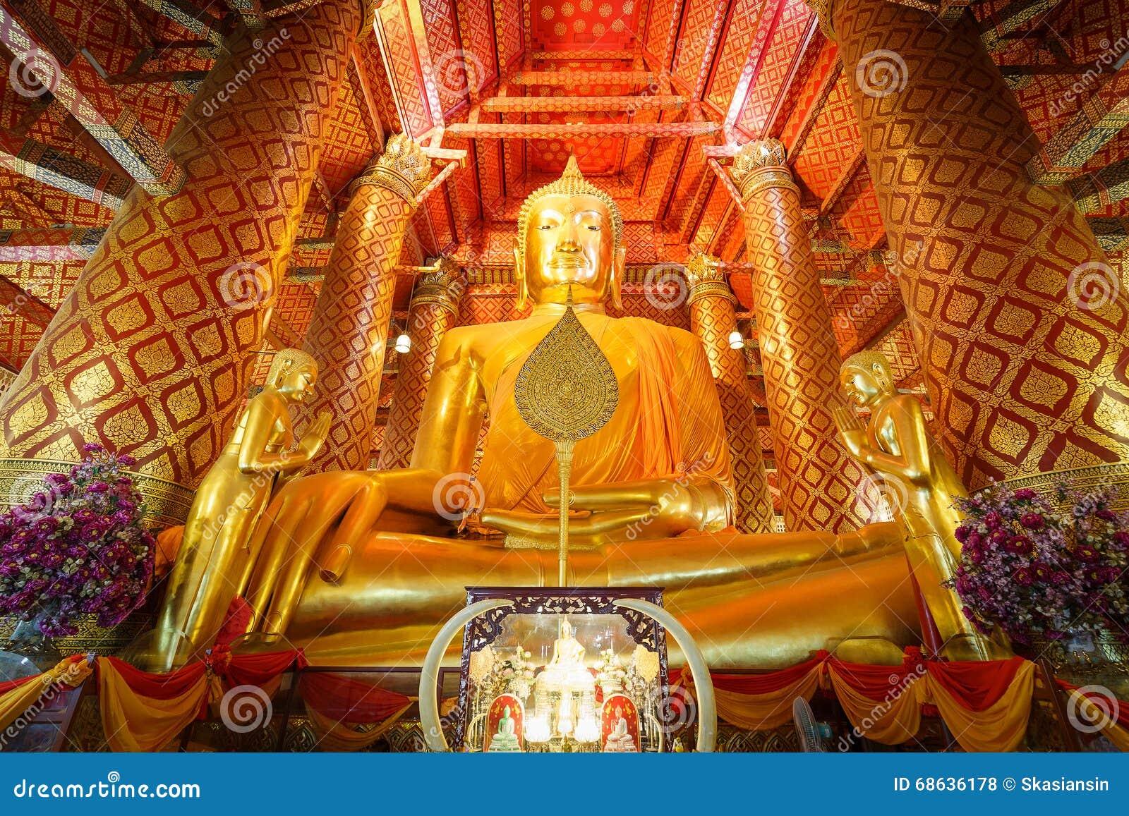 Stor guld- Buddhastaty