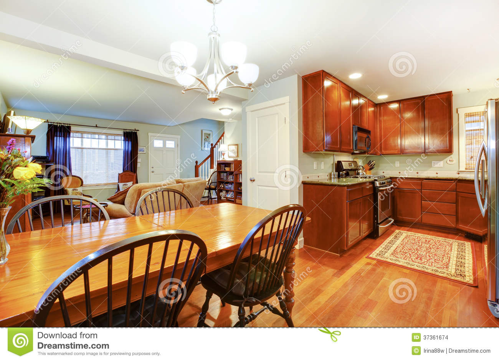 Stor idé för ett öppet plan av kök, att äta middag och vardagsrum ...