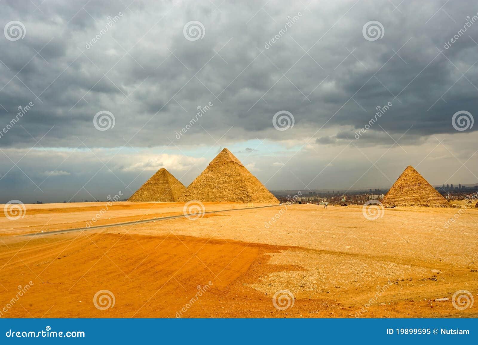 Stor pyramid