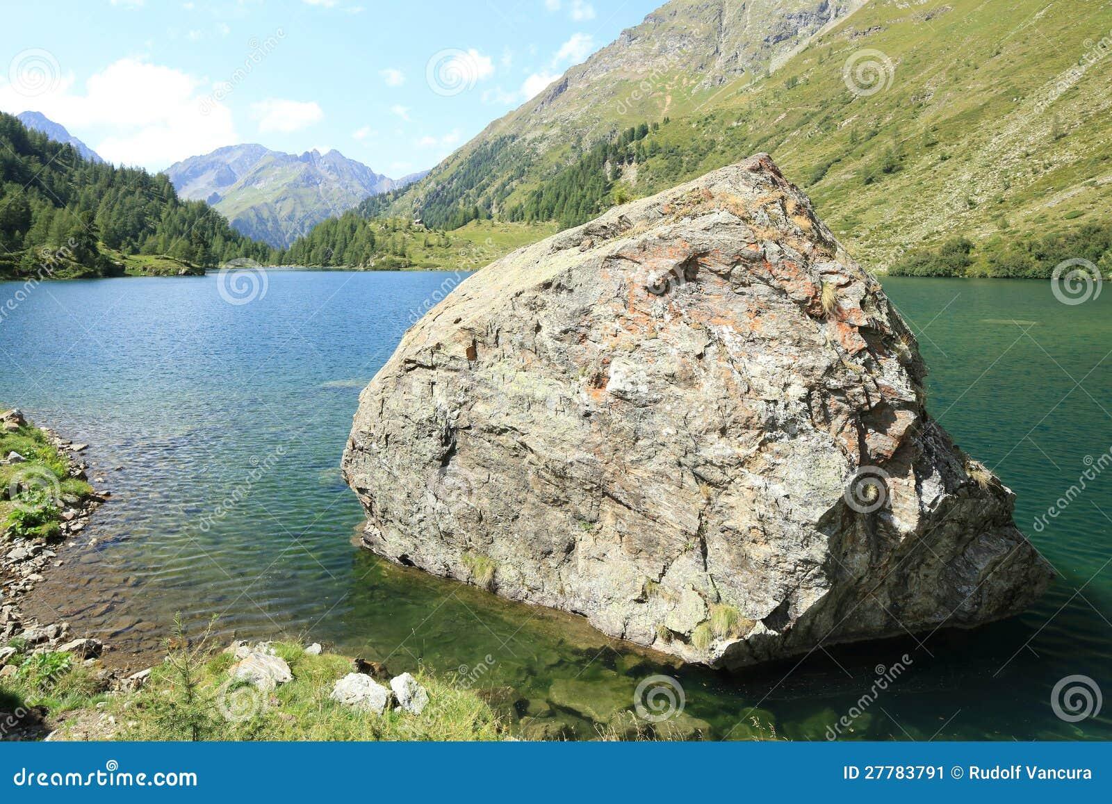Stor Rock i laken