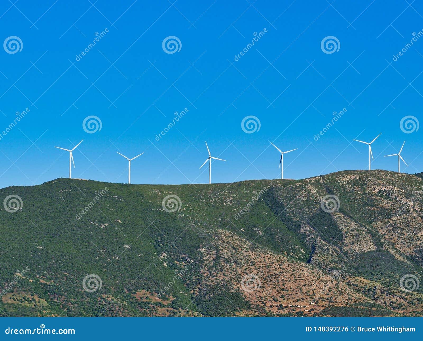 Stora vindturbiner på det grekiska berget, Grekland