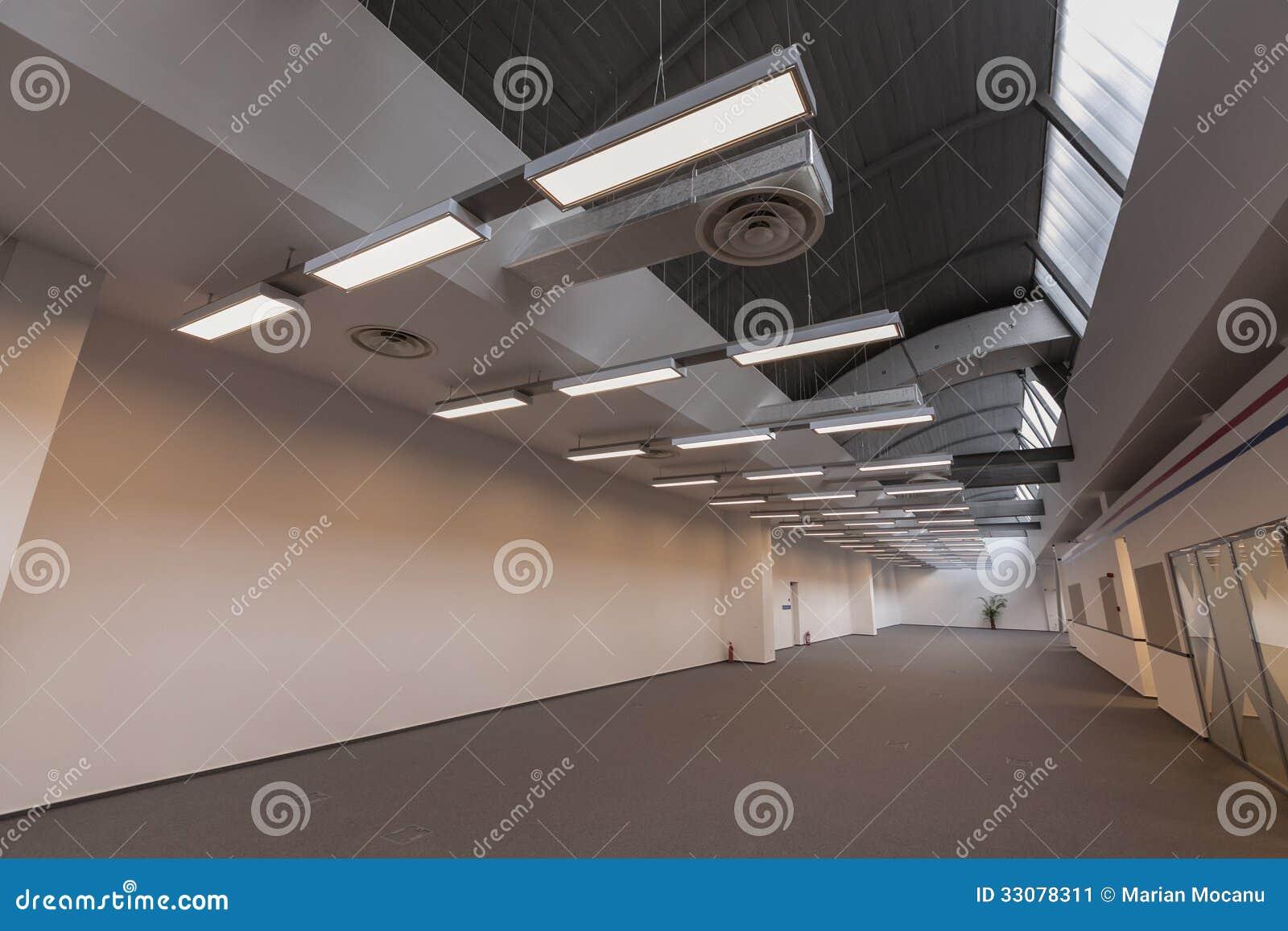 Storage Hall - Empty Stock Image - Image: 33078311