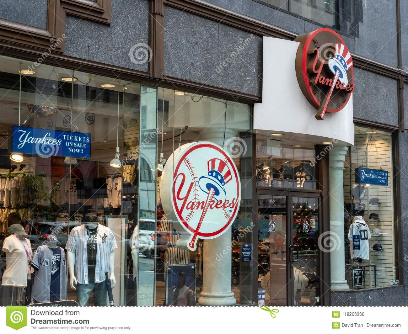 Store Front Of New York Yankees Team Store On 5th Avenue In New ... bf0c79dbb83