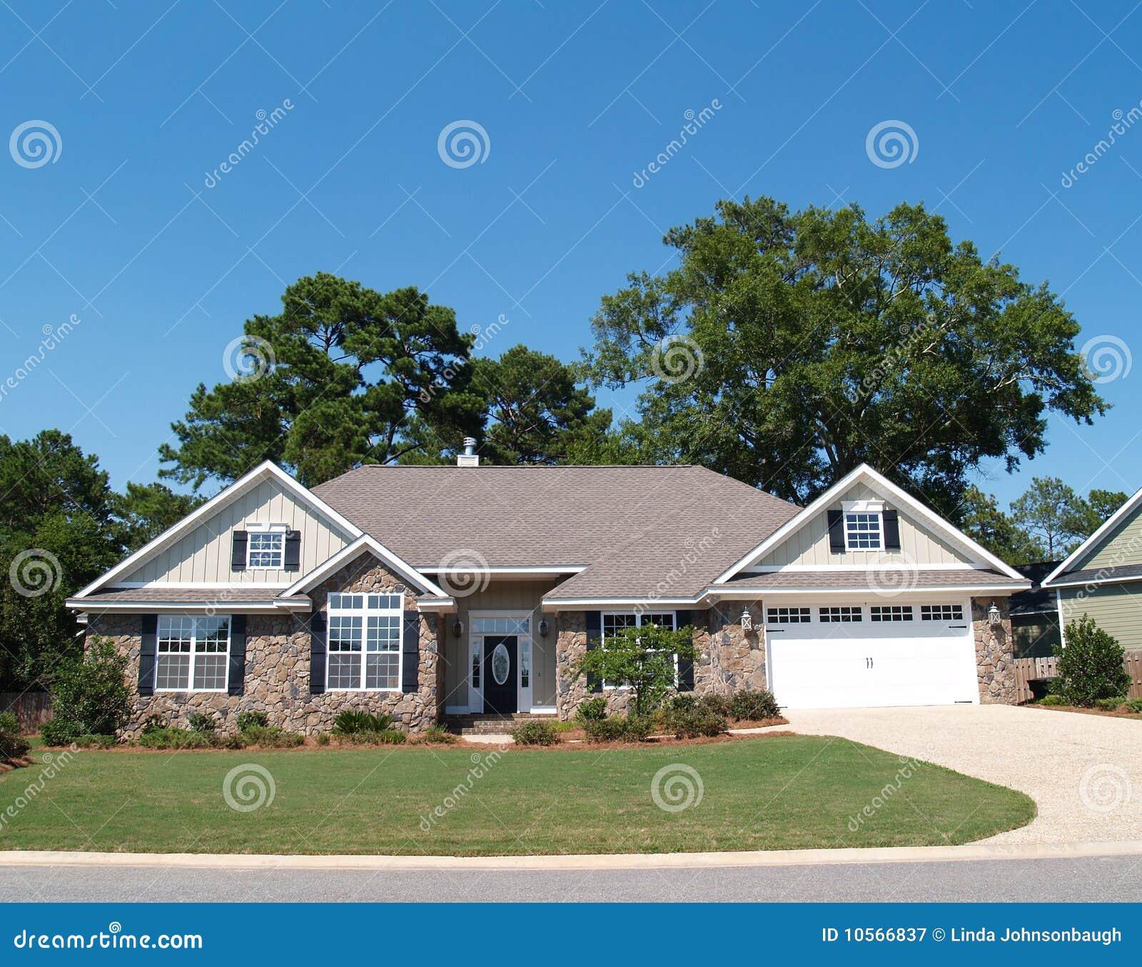 Storia di pietra residenziale della casa una fotografia for Costo della costruzione di una casa in pietra