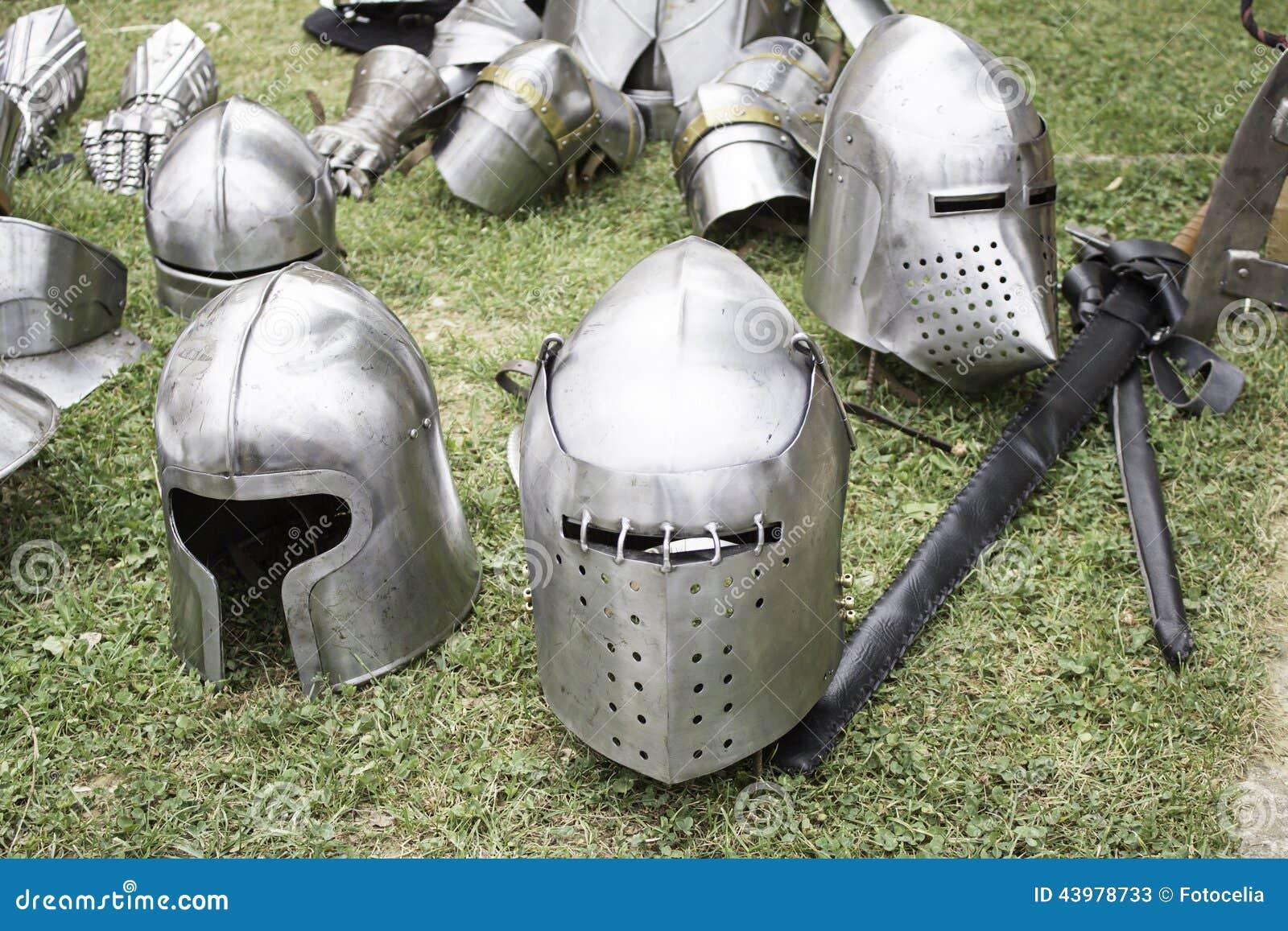 Storia medievale d acciaio
