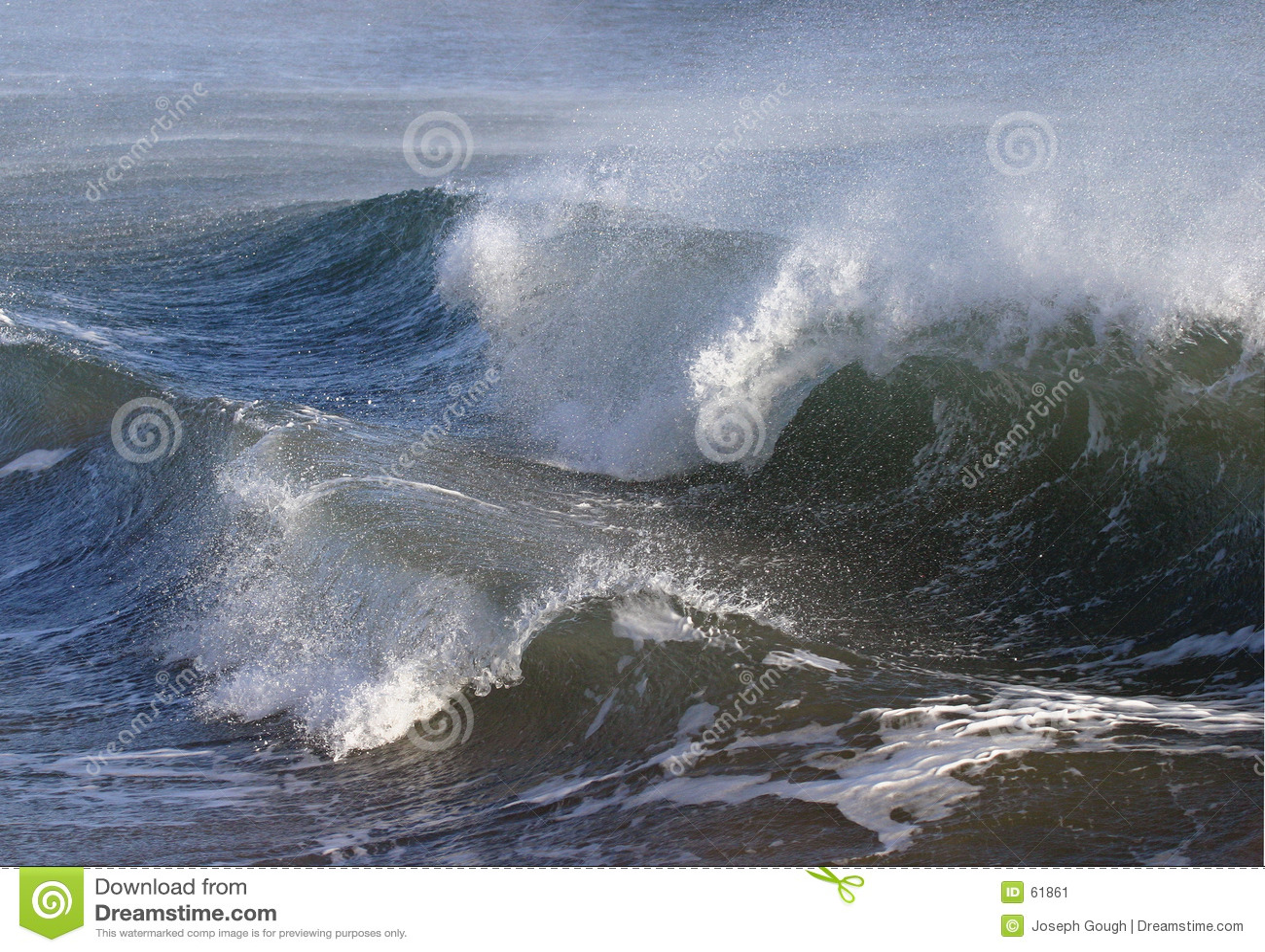 Stormiga waves för ungefärligt hav