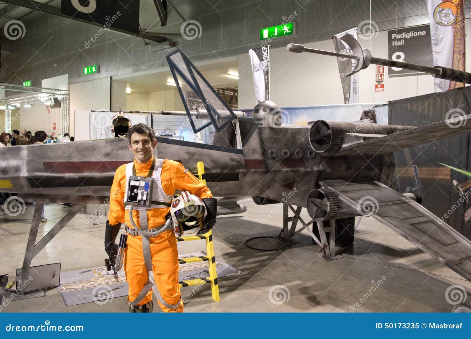 Download X-Wing Pilot At Cartoomics 2014 Editorial Image - Image of pilot, orange: 50173235