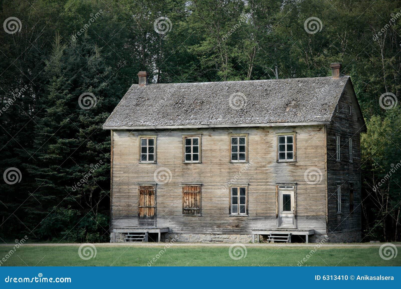 Stort spökat hus