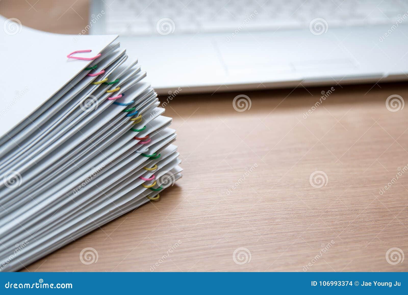 Stos dokumenty