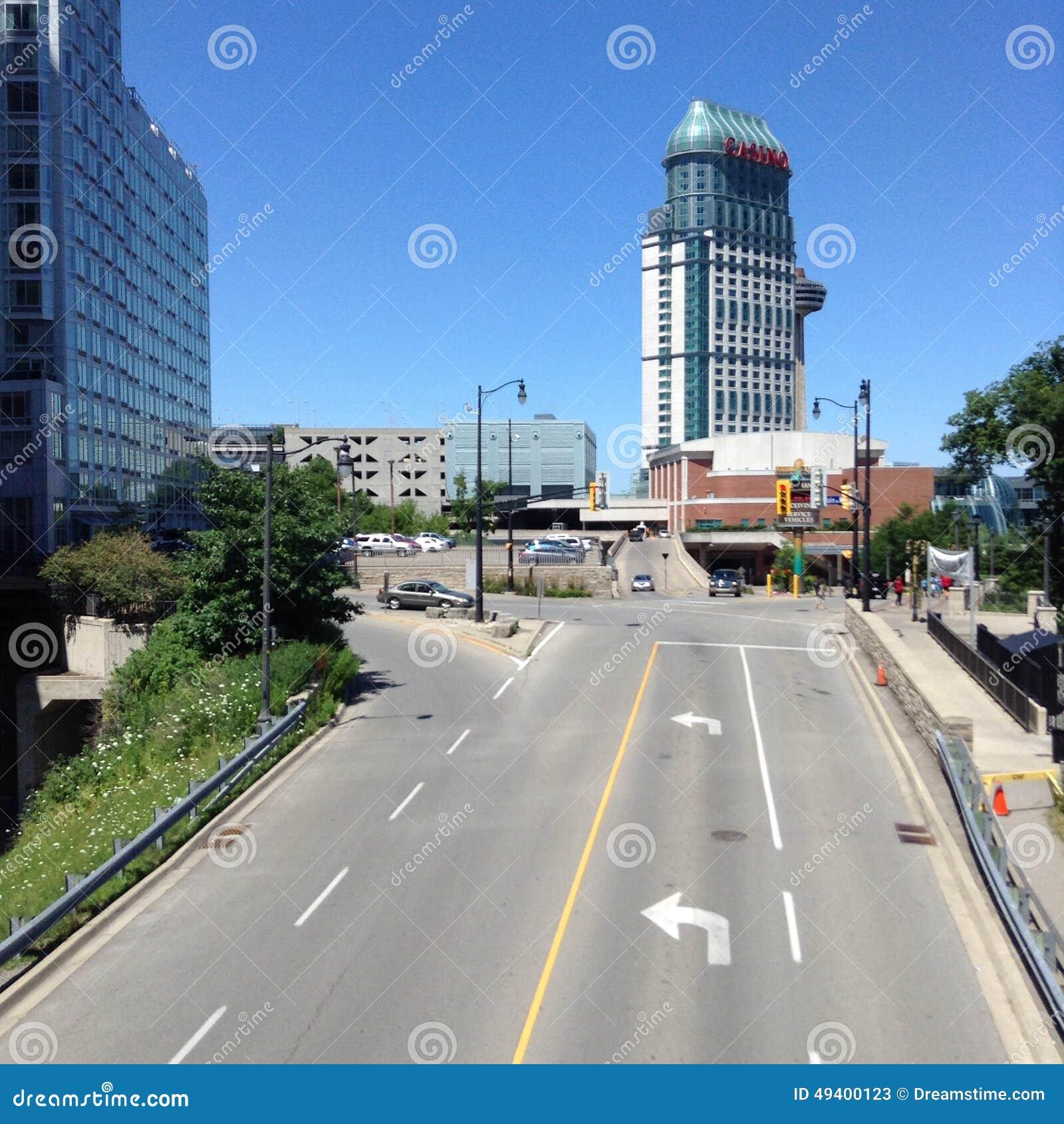 Download Straße stockbild. Bild von gänse, spiel, skyline, schlag - 49400123