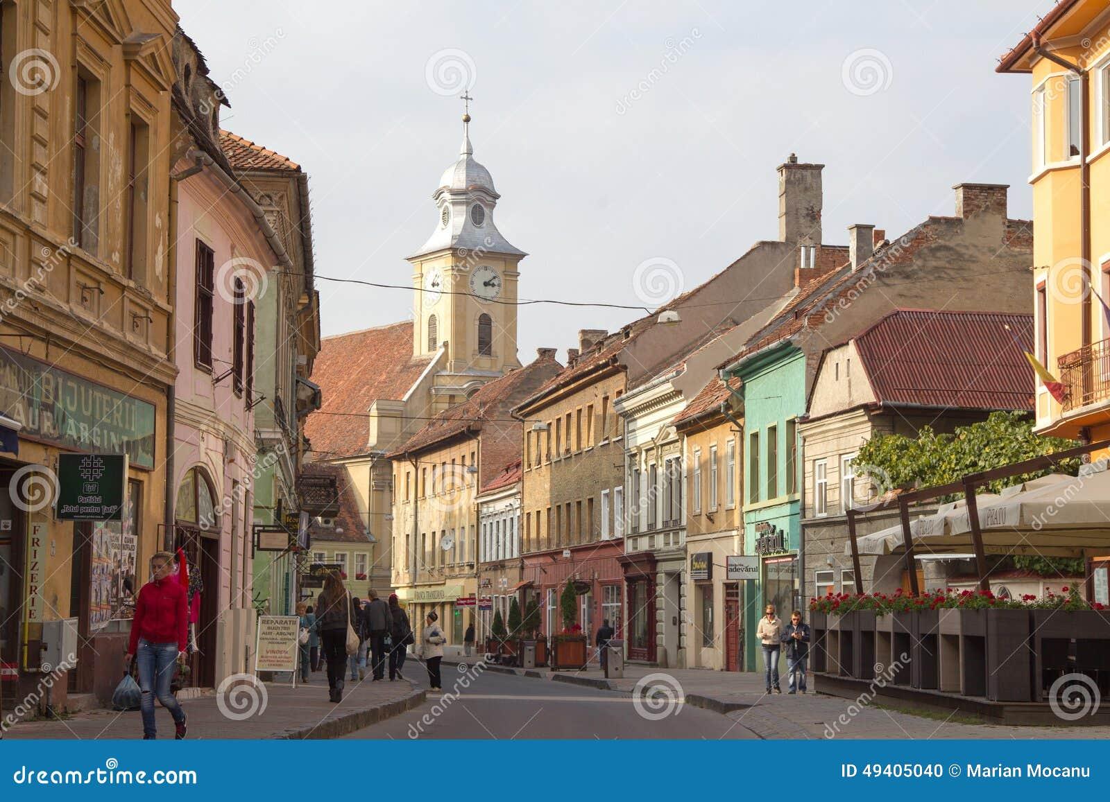 Download Straße in Brasov-Stadt redaktionelles bild. Bild von landschaft - 49405040