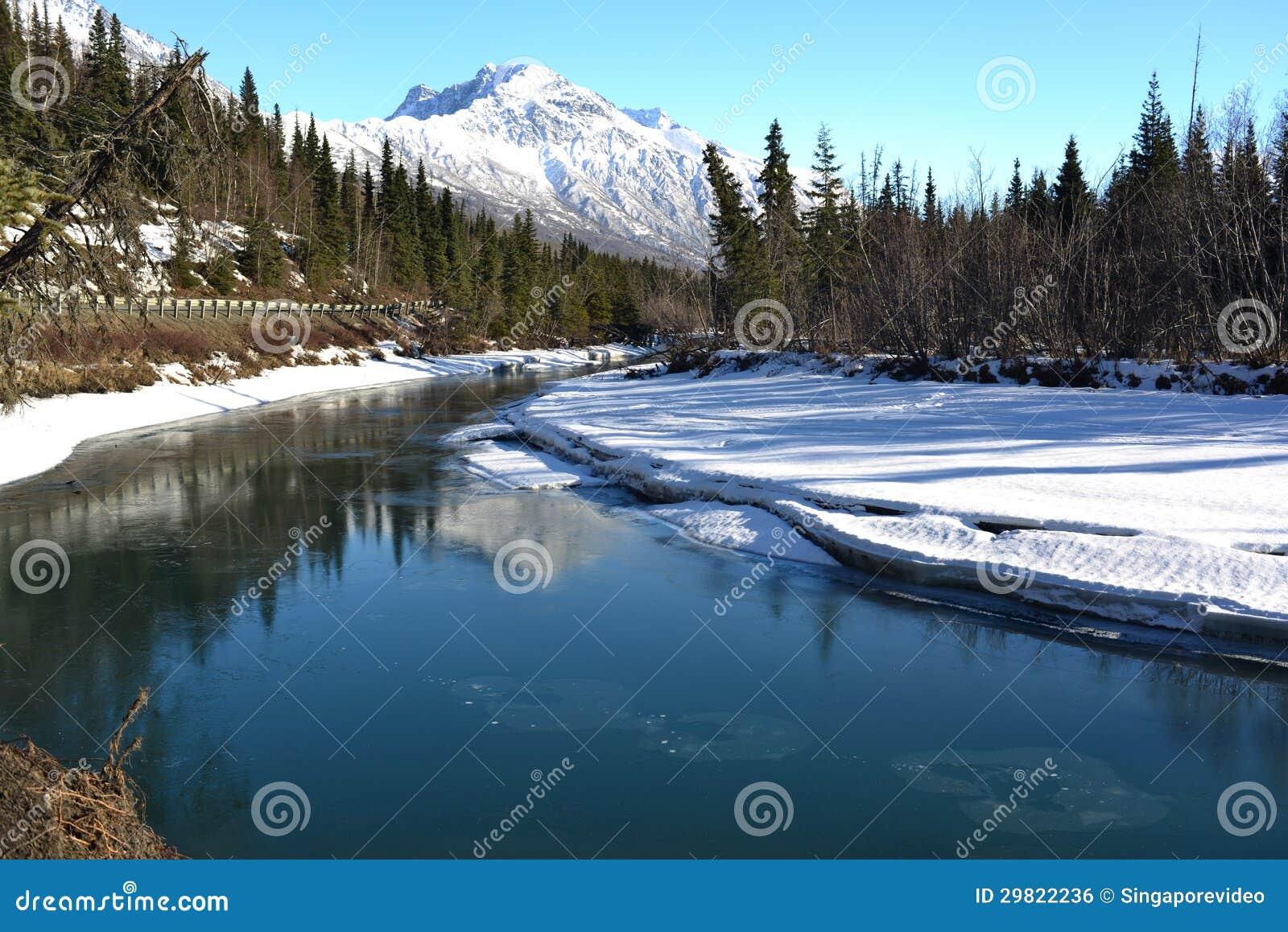 Straße zu Eagle River Park, Alaska