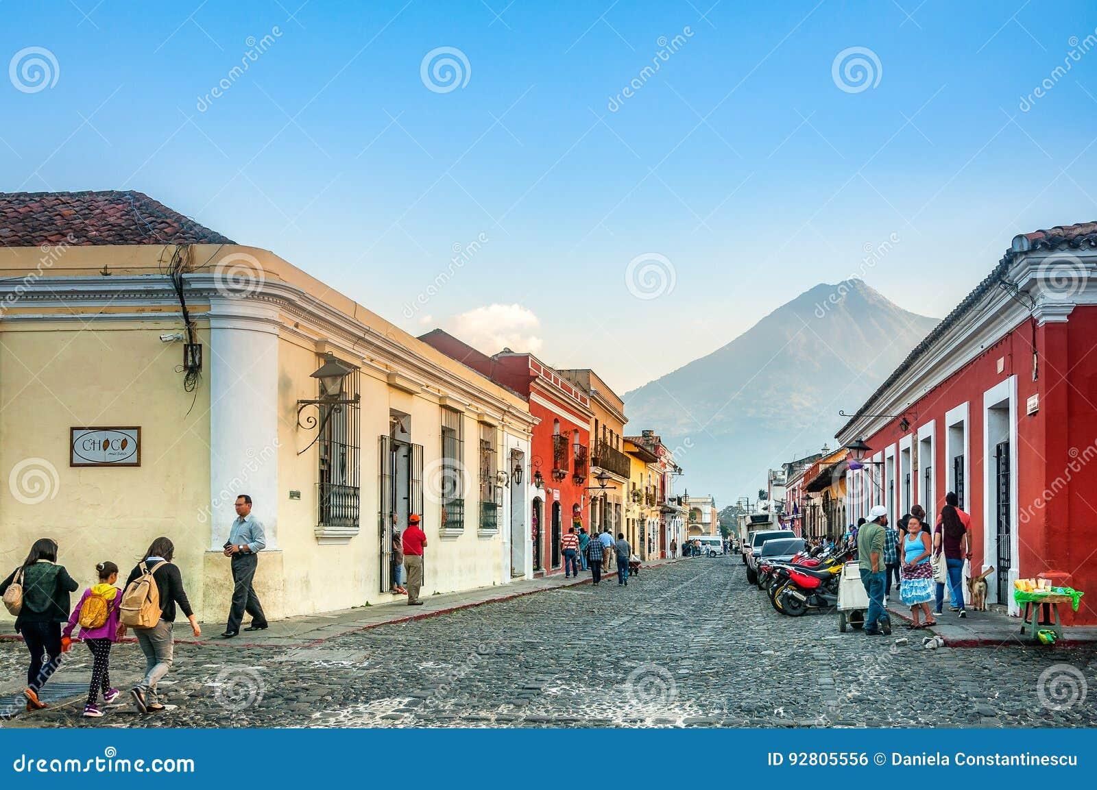 Straßen-Fotografie auf den Hauptstraßen von Antigua, Guatemala