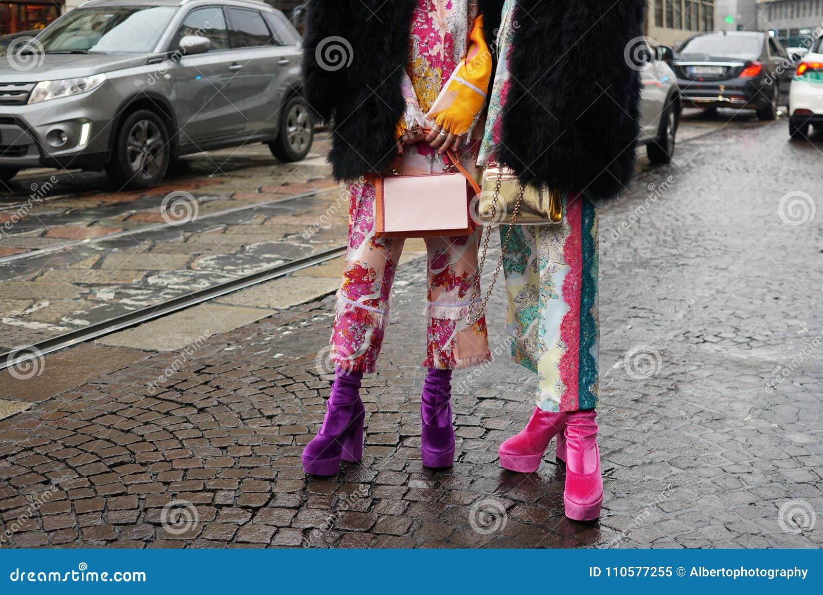 Straßenart während der Mailand-Modewoche