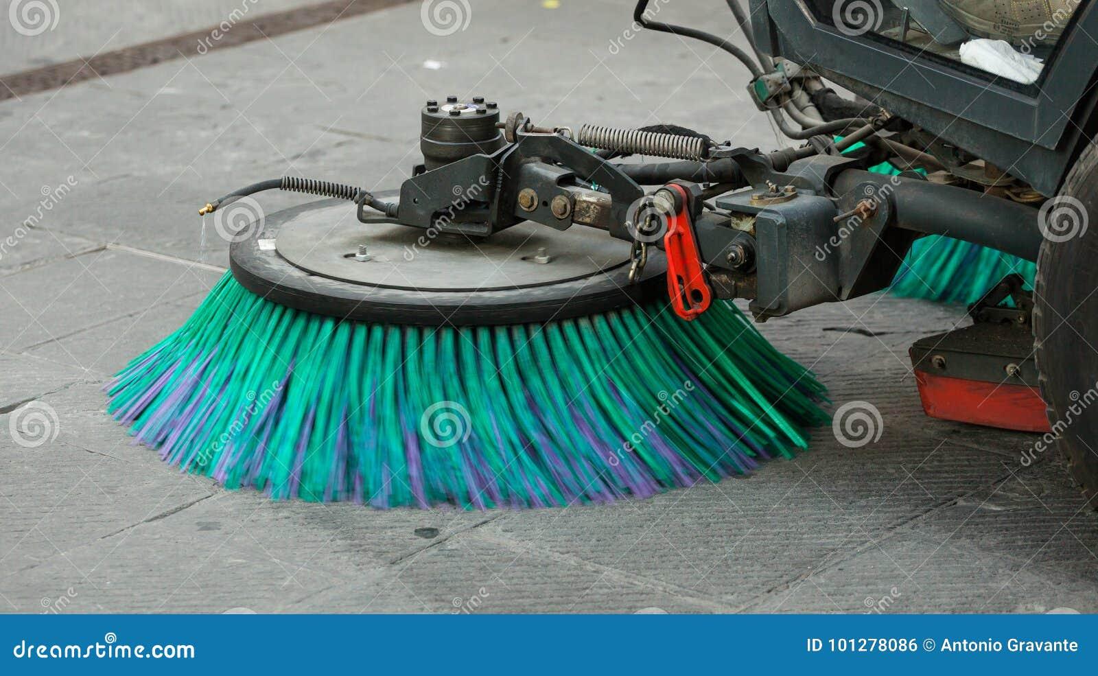 StraßenfegerMaschine, welche die Straßen säubert