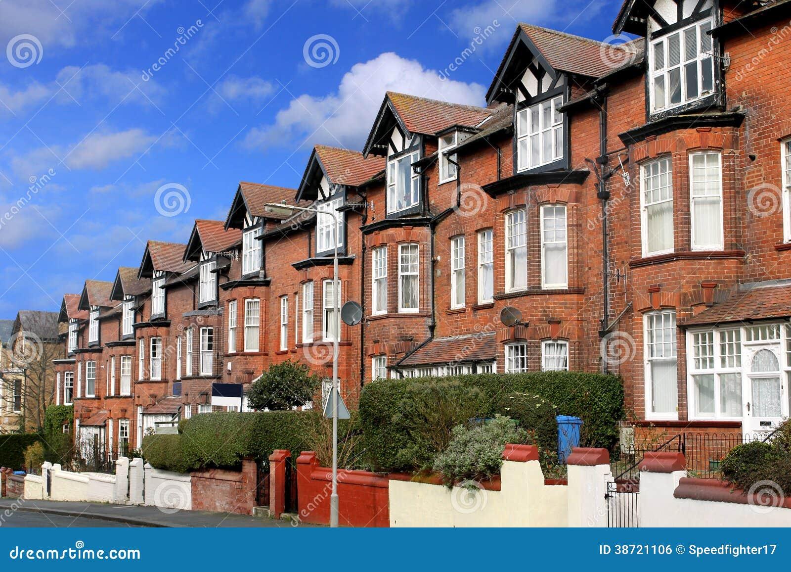 Straat van terrasvormige huizen