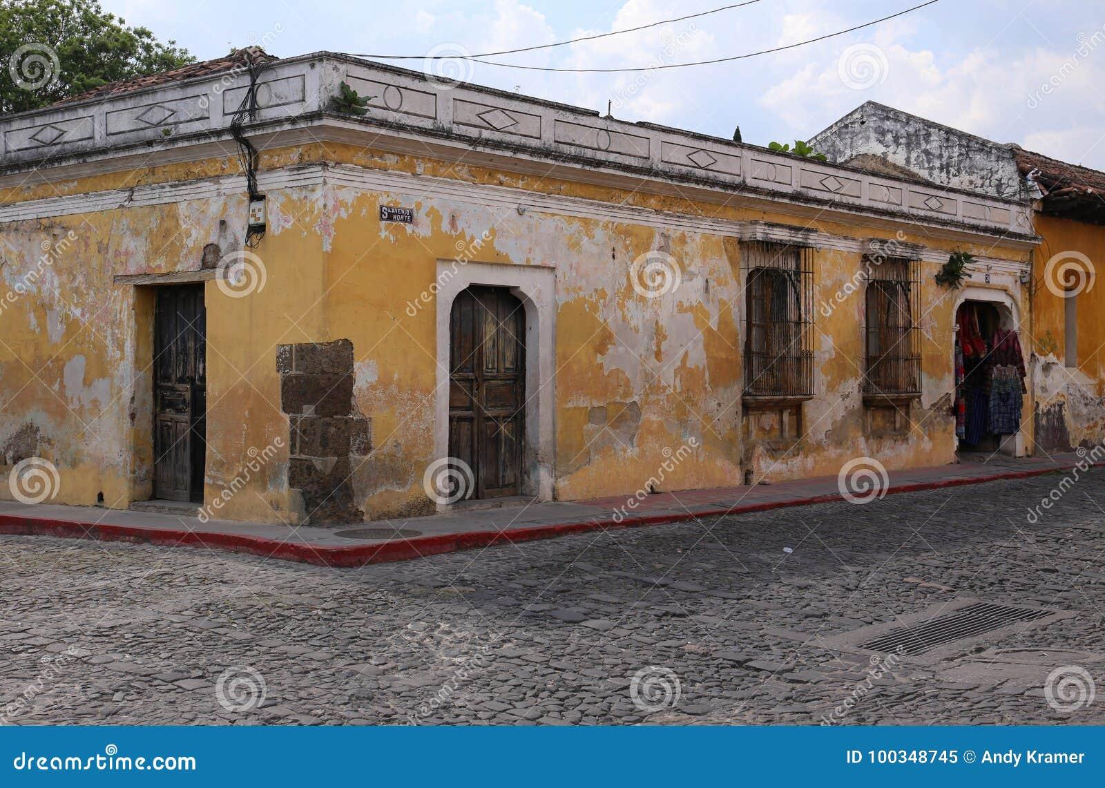 Straatscène in Antigua, Guatemala in Mei 2015