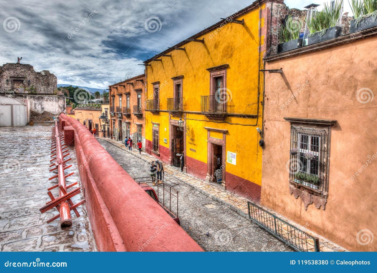 Straatscène naast San Miguel de Allende Church