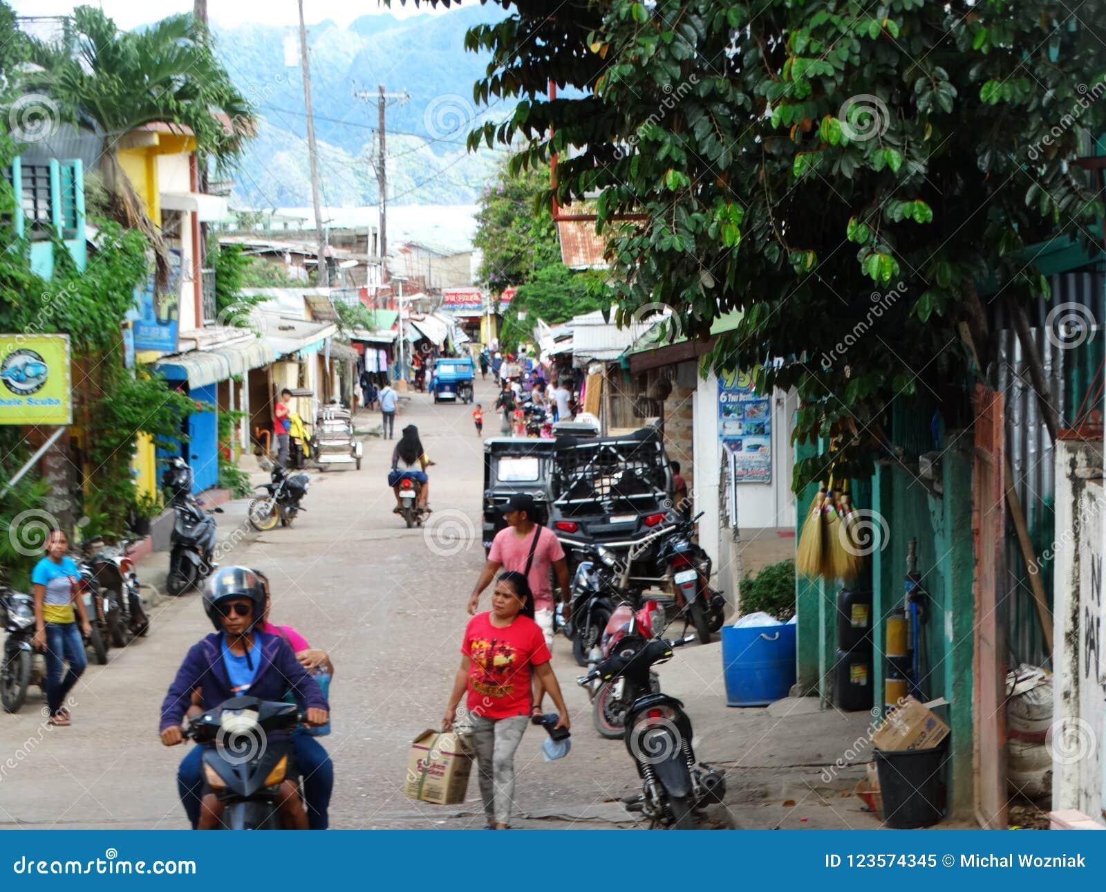 Straatscène van Coron, Palawan, Filippijnen