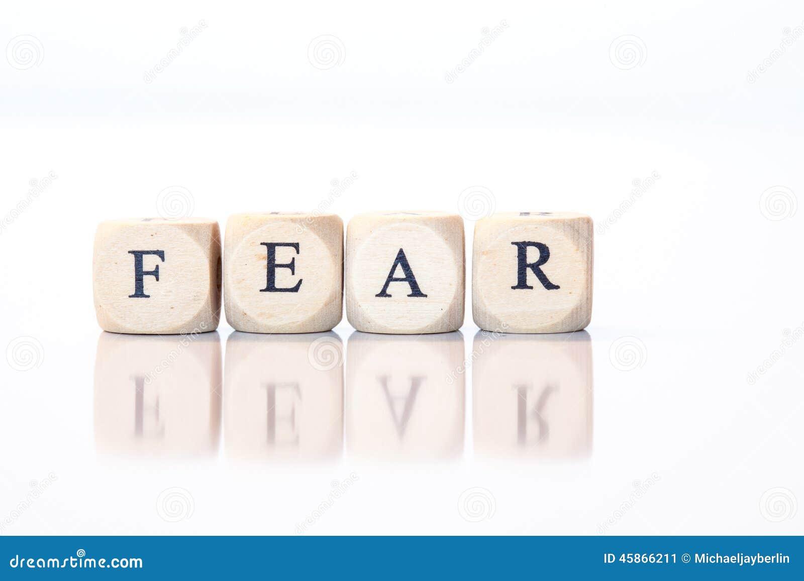 Strach, przeliterowany z kostka do gry listami